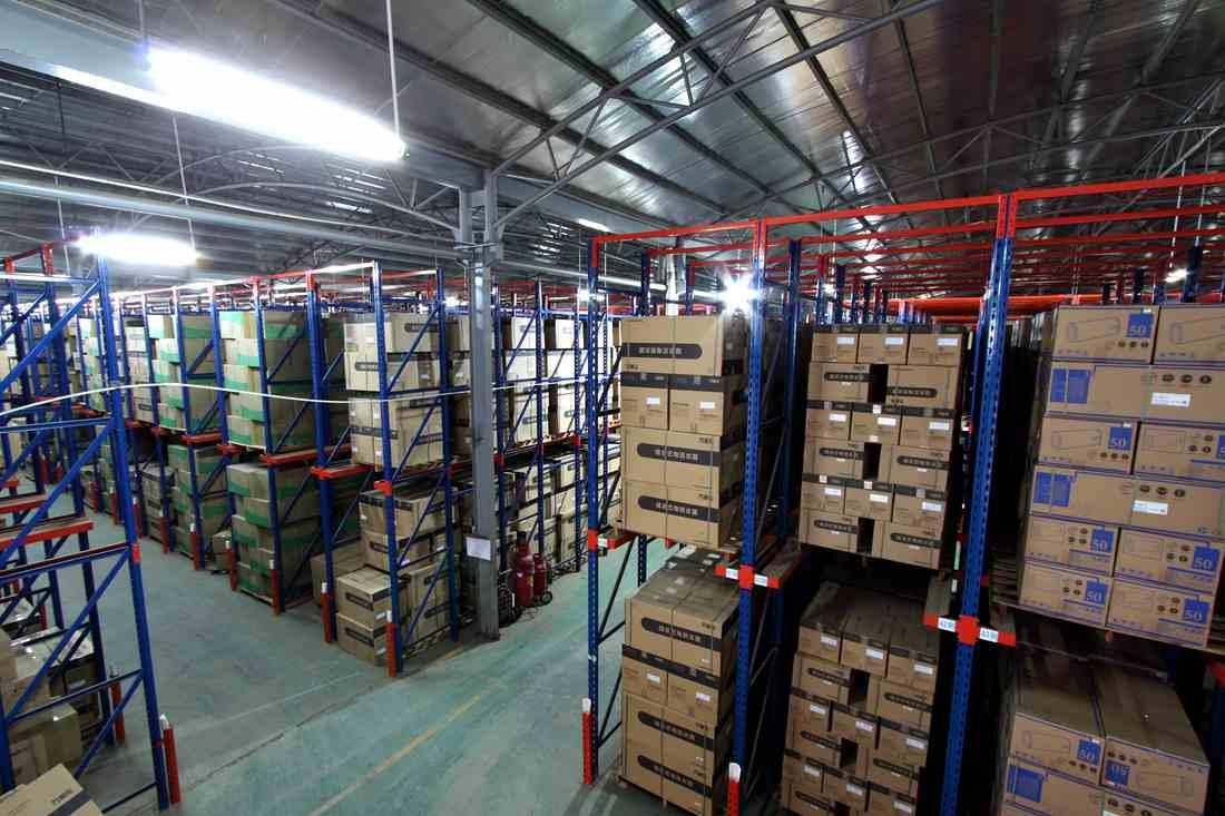 广东通廊货架生产厂家  大跨度仓库货架